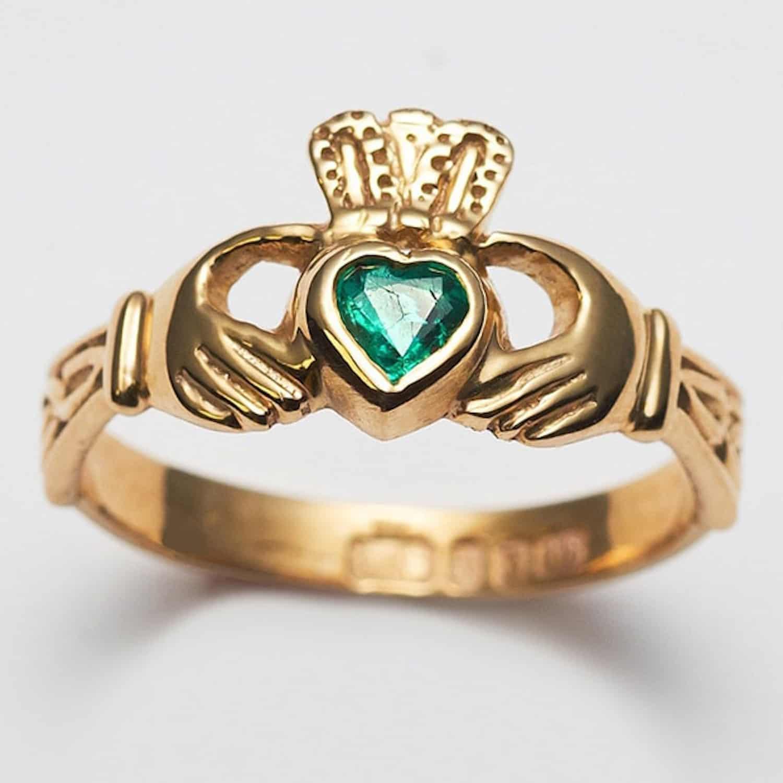 Ladies emerald Claddagh ring